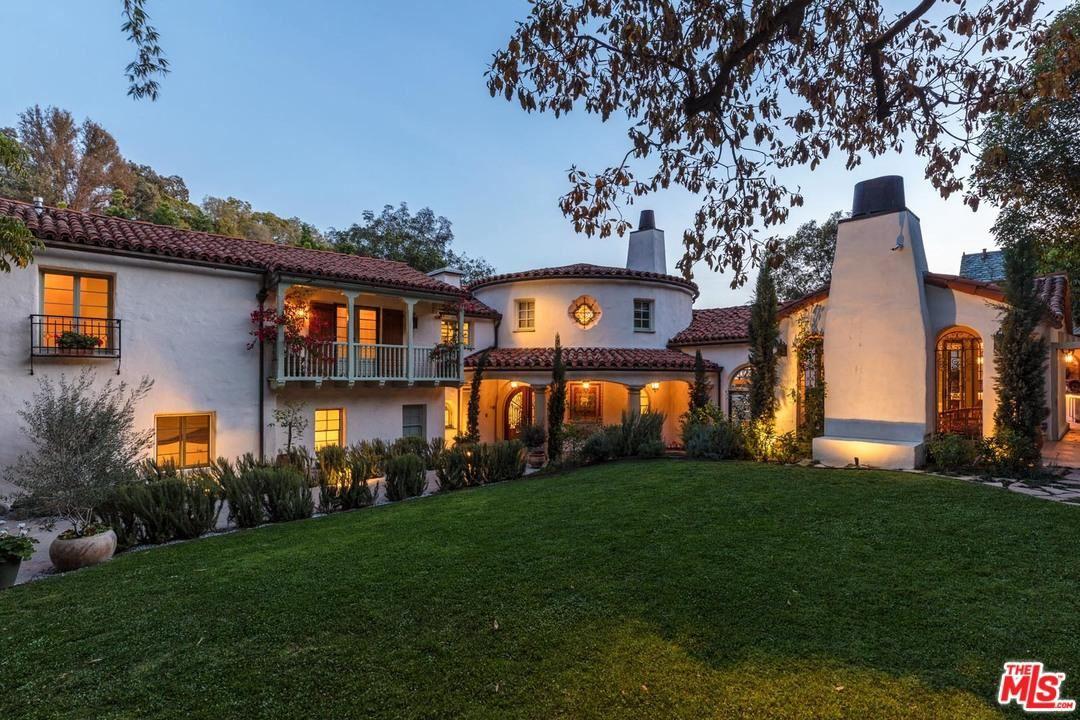 Photo of 9308 READCREST Drive, Beverly Hills, CA 90210 (MLS # 20561716)