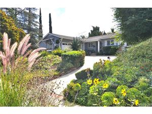 Photo of 20426 AETNA Street, Woodland Hills, CA 91367 (MLS # SR18247719)
