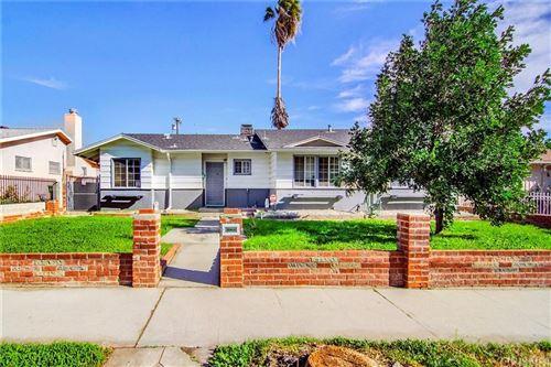 Photo of 11014 HAYVENHURST Avenue, Granada Hills, CA 91344 (MLS # SR20020719)