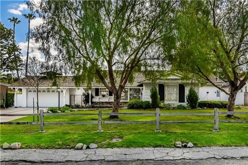 Photo of 6040 OAKDALE Avenue, Woodland Hills, CA 91367 (MLS # SR20063719)