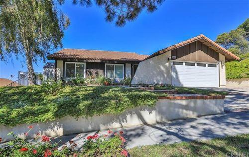 Photo of 1651 CALLE DE ORO, Thousand Oaks, CA 91360 (MLS # SR20059721)