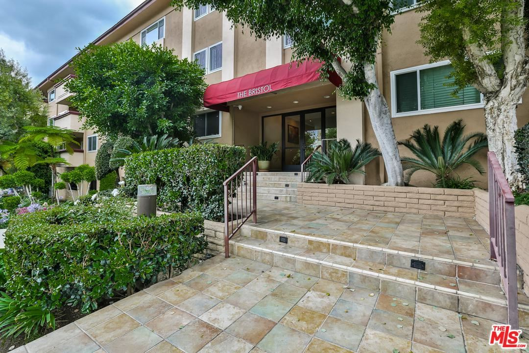 Photo for 1121 North OLIVE Drive #305, West Hollywood, CA 90069 (MLS # 19535730)