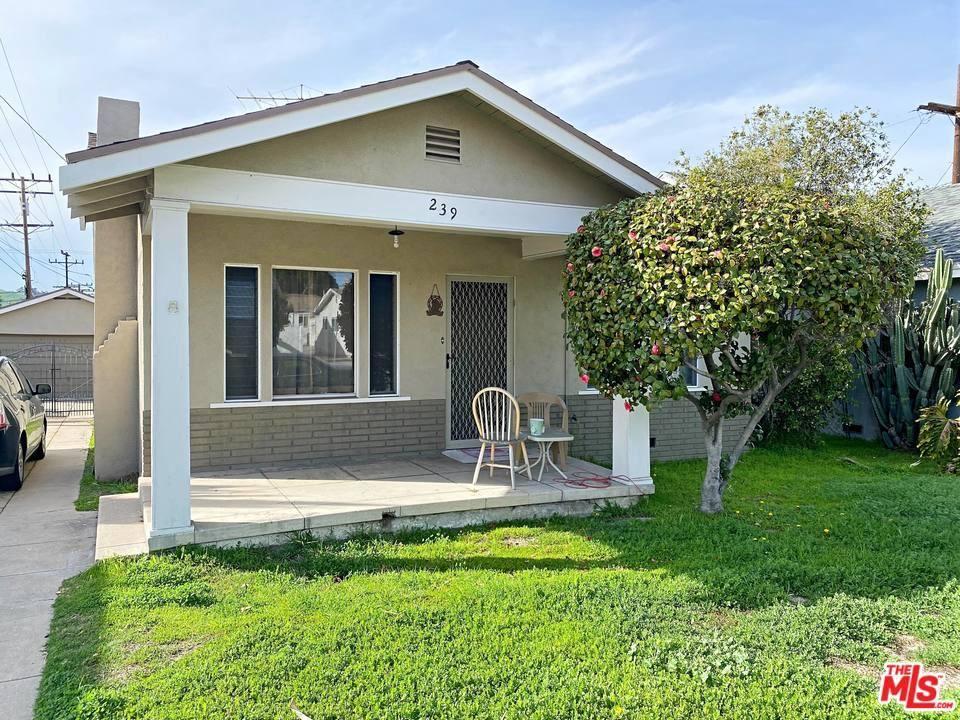 Photo of 239 CHESTER Street, Glendale, CA 91203 (MLS # 20548734)