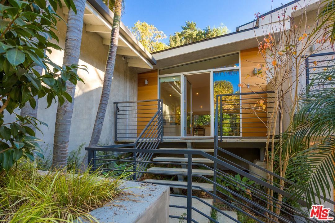 Photo of 9336 HAZEN Drive, Beverly Hills, CA 90210 (MLS # 20560736)