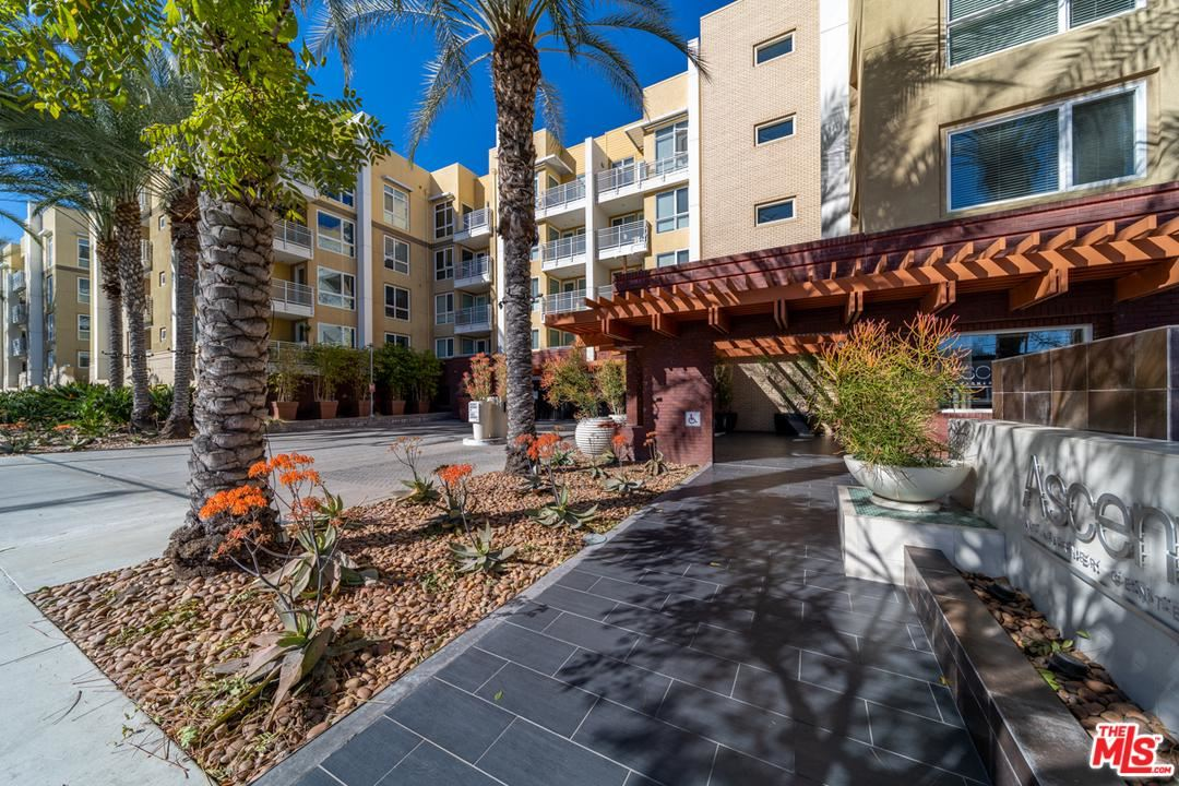 Photo for 21301 ERWIN Street #408, Woodland Hills, CA 91367 (MLS # 20553738)