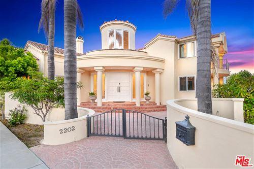 Photo of 2202 SAN VICENTE, Santa Monica, CA 90402 (MLS # 20542740)