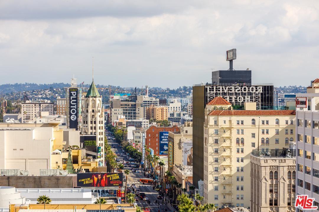 Photo of 7135 HOLLYWOOD #PHE, Los Angeles , CA 90046 (MLS # 20548742)