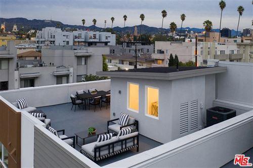 Photo of 6913 North TIERNO Lane, Los Angeles , CA 90038 (MLS # 20555744)