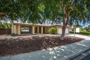 Photo of 328 RAMBLE RIDGE Drive, Thousand Oaks, CA 91360 (MLS # 219011745)
