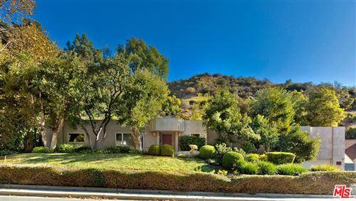 Photo of 1434 ROSCOMARE Road, Los Angeles , CA 90077 (MLS # 19534750)