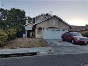 Photo of 22834 WHITE PINE Place, Saugus, CA 91390 (MLS # SR17278755)