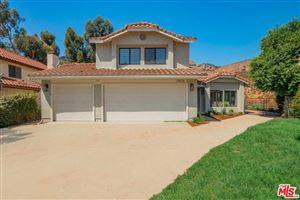 Photo of 17425 DORIC Street, Granada Hills, CA 91344 (MLS # 19505760)