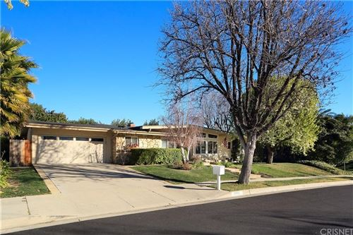 Tiny photo for 5900 ELBA Place, Woodland Hills, CA 91367 (MLS # SR20031761)