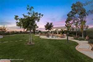 Photo of 10801 West OAK MOUNTAIN Place, Shadow Hills, CA 91040 (MLS # 818000762)