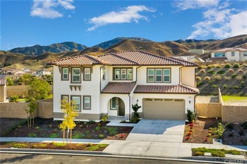 Photo of 19006 CHESTNUT GLEN Court, Canyon Country, CA 91387 (MLS # SR20004763)