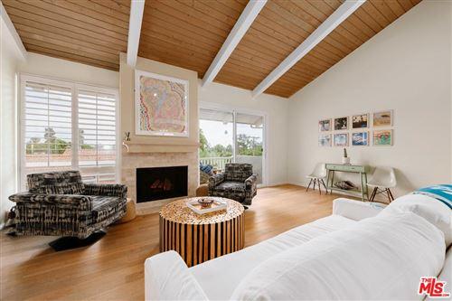 Photo of 28398 REY DE COPAS Lane, Malibu, CA 90265 (MLS # 19494764)