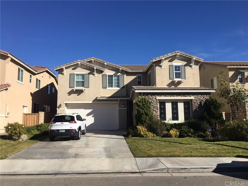 Photo for 26922 FLOWERING OAK Place, Canyon Country, CA 91387 (MLS # SR18009764)