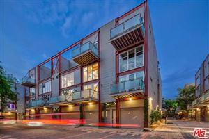 Photo of 3450 CAHUENGA #403, Los Angeles , CA 90068 (MLS # 19440766)
