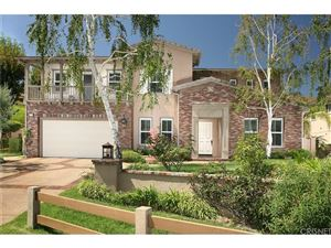 Photo of 375 LOIRE VALLEY Drive, Simi Valley, CA 93065 (MLS # SR18254766)