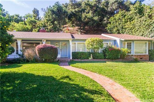 Photo of 3733 GOODLAND Avenue, Studio City, CA 91604 (MLS # SR19259769)