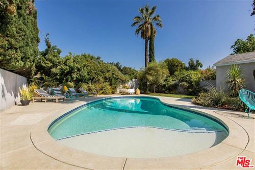 Photo of 13847 CALVERT Street, Valley Glen, CA 91401 (MLS # 19518770)