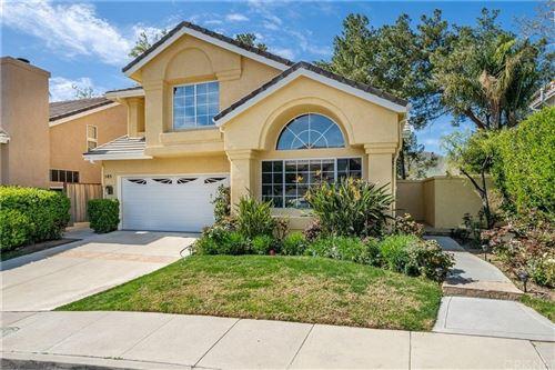 Photo of 585 MONTELEONE Avenue, Oak Park, CA 91377 (MLS # SR20052770)