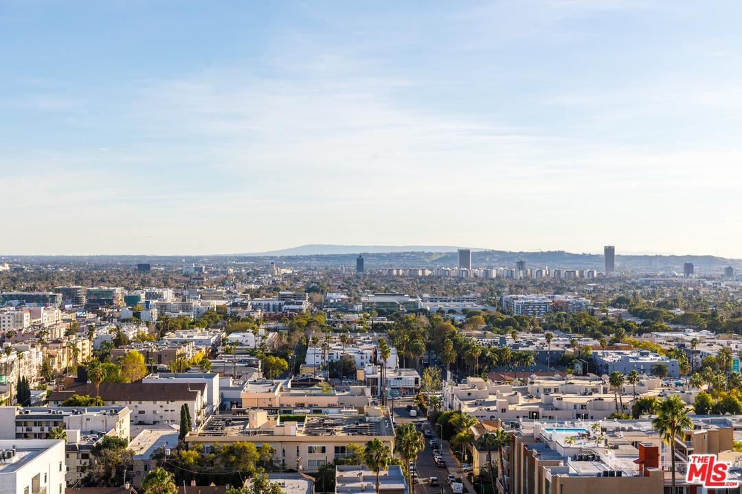 Photo of 7135 HOLLYWOOD #PHW, Los Angeles , CA 90046 (MLS # 20548770)
