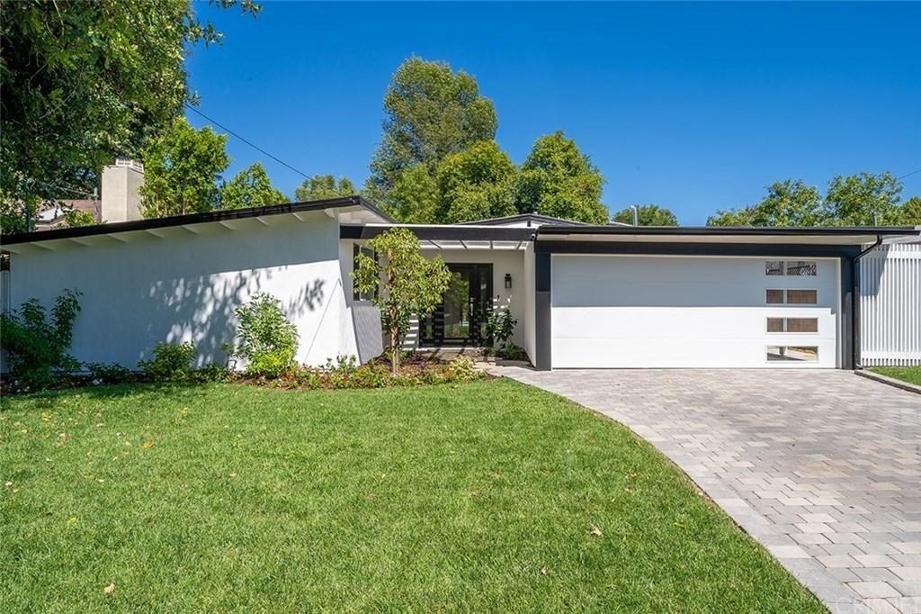 Photo for 5436 ROYER Avenue, Woodland Hills, CA 91367 (MLS # SR19191772)