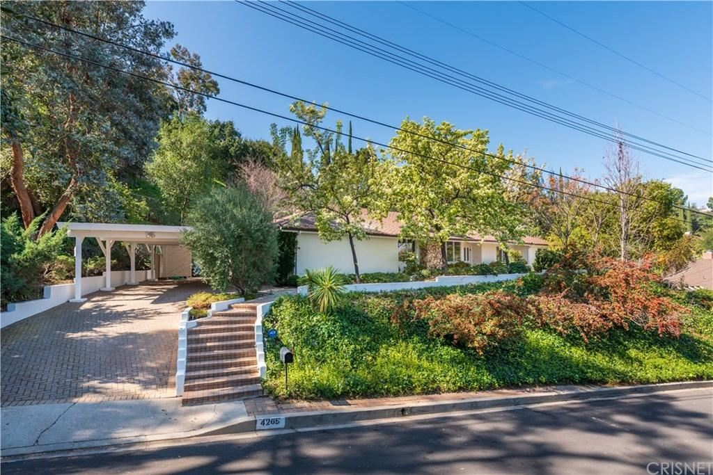 Photo of 4265 BONAVITA Place, Encino, CA 91436 (MLS # SR20035772)