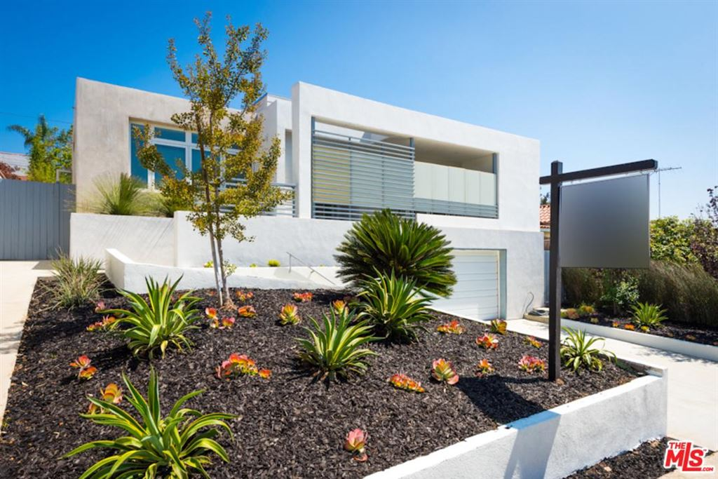 Photo for 3530 OCEAN VIEW Avenue, Los Angeles , CA 90066 (MLS # 18384774)