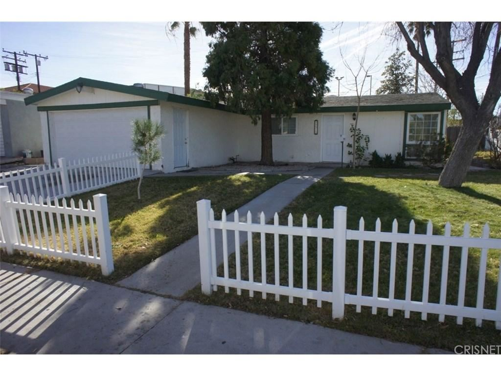 Photo for 18920 NEARBROOK Street, Canyon Country, CA 91351 (MLS # SR18009781)