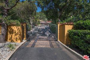 Photo of 1744 REEDVALE Lane, Los Angeles , CA 90049 (MLS # 18340782)