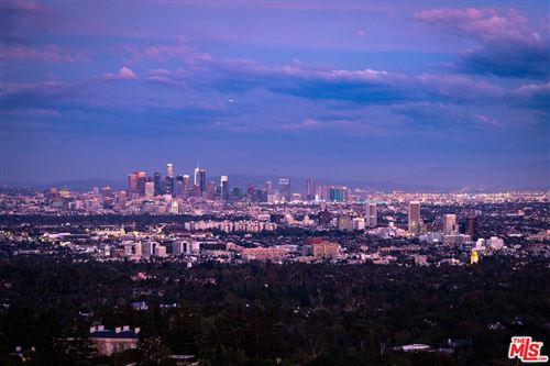 Photo of 940 STRADELLA Road, Los Angeles , CA 90077 (MLS # 20567790)