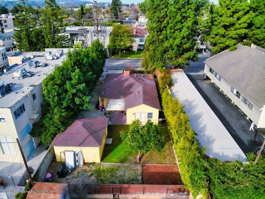 Photo of 4902 COLDWATER CANYON Avenue, Sherman Oaks, CA 91423 (MLS # 820000790)