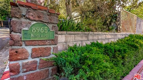 Photo of 8965 WONDERLAND Avenue, Los Angeles , CA 90046 (MLS # 19519792)