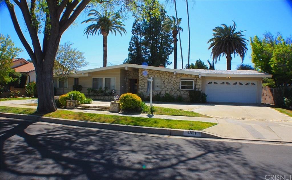 Photo for 4821 HEAVEN Avenue, Woodland Hills, CA 91364 (MLS # SR19083793)