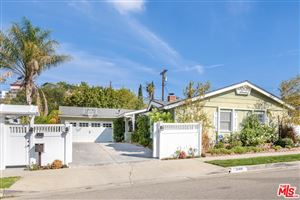 Photo of 21419 MULHOLLAND Drive, Woodland Hills, CA 91364 (MLS # 18410794)