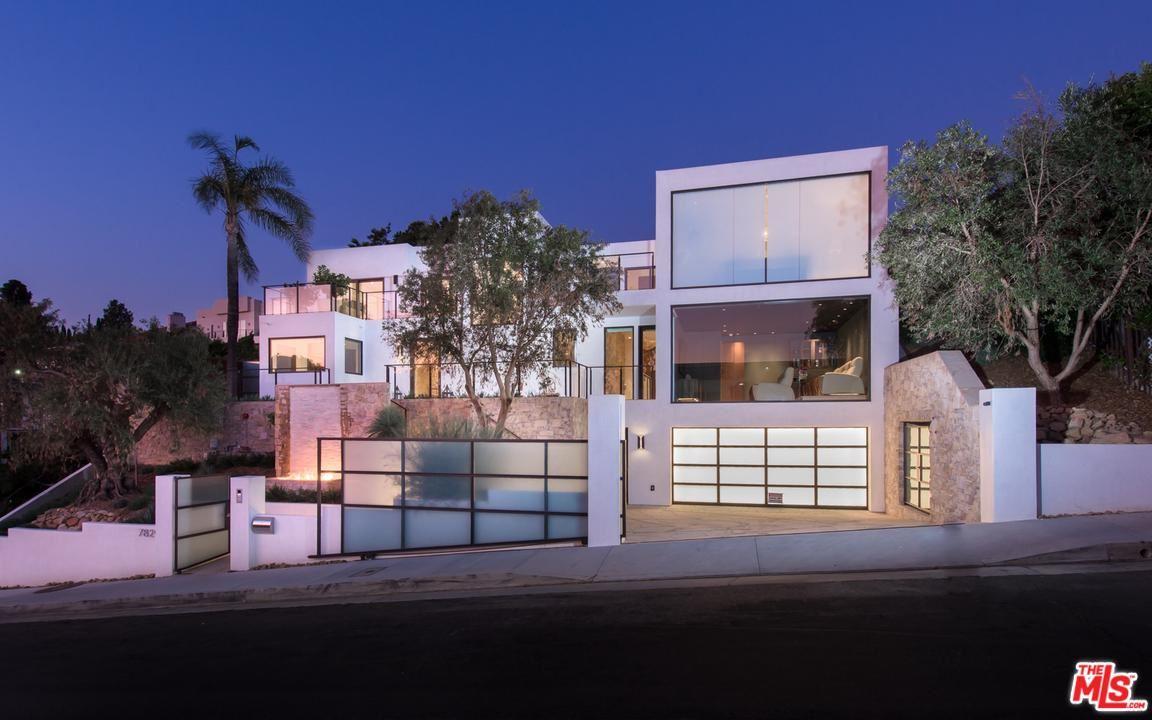 Photo of 7829 ELECTRA Drive, Los Angeles , CA 90046 (MLS # 19521794)
