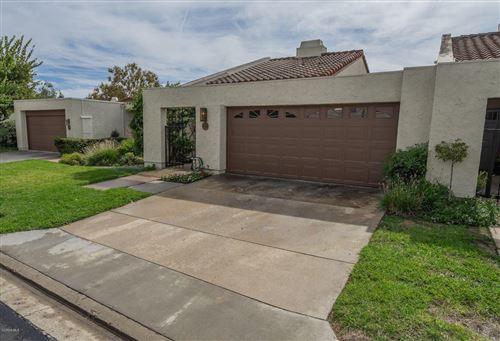 Photo of 632 HOLLYBURNE Lane, Thousand Oaks, CA 91360 (MLS # 219012798)