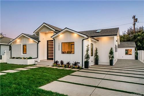 Photo of 14000 HUSTON Street, Sherman Oaks, CA 91423 (MLS # SR19274798)