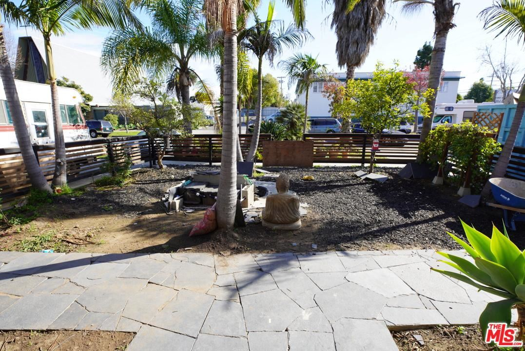 Photo of 1015 VICTORIA Avenue, Venice, CA 90291 (MLS # 20548798)