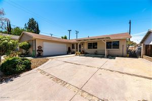Photo of 989 PLANETREE Avenue, Simi Valley, CA 93065 (MLS # 218012799)