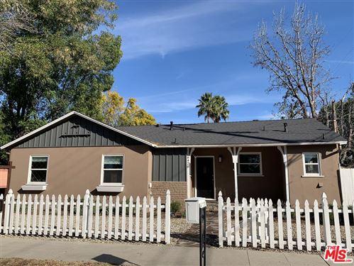 Photo of 6420 RANDI Avenue, Woodland Hills, CA 91303 (MLS # 19533800)