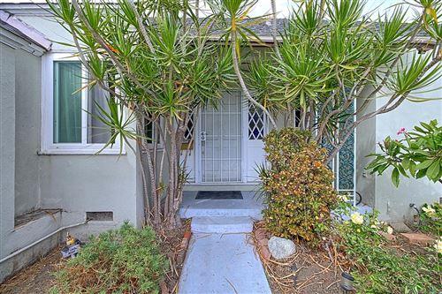 Photo of 1001 West ROBERT Avenue, Oxnard, CA 93030 (MLS # 219012800)