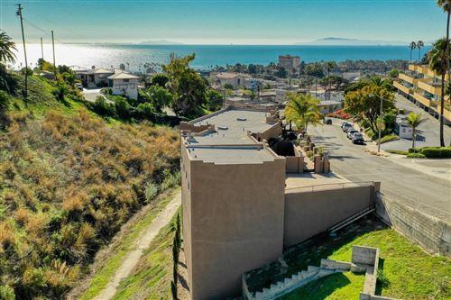 Photo of 300 North KALORAMA Street, Ventura, CA 93001 (MLS # 220000800)