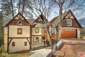 Photo of 28571 MANITOBA Drive, Lake Arrowhead, CA 92352 (MLS # 18321802)