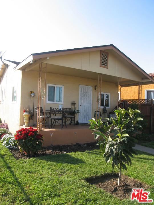 Photo of 11227 East TOWNE Avenue, Los Angeles , CA 90061 (MLS # 20556808)