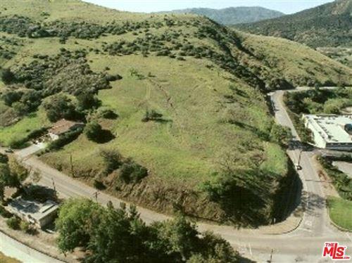 Photo of Agoura Hills, CA 91301 (MLS # 19530810)