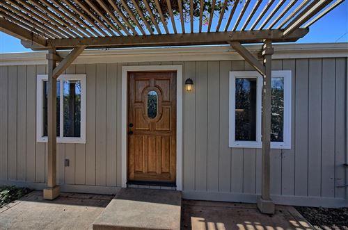 Photo of 322 SYCAMORE Street, Santa Paula, CA 93060 (MLS # 219001810)