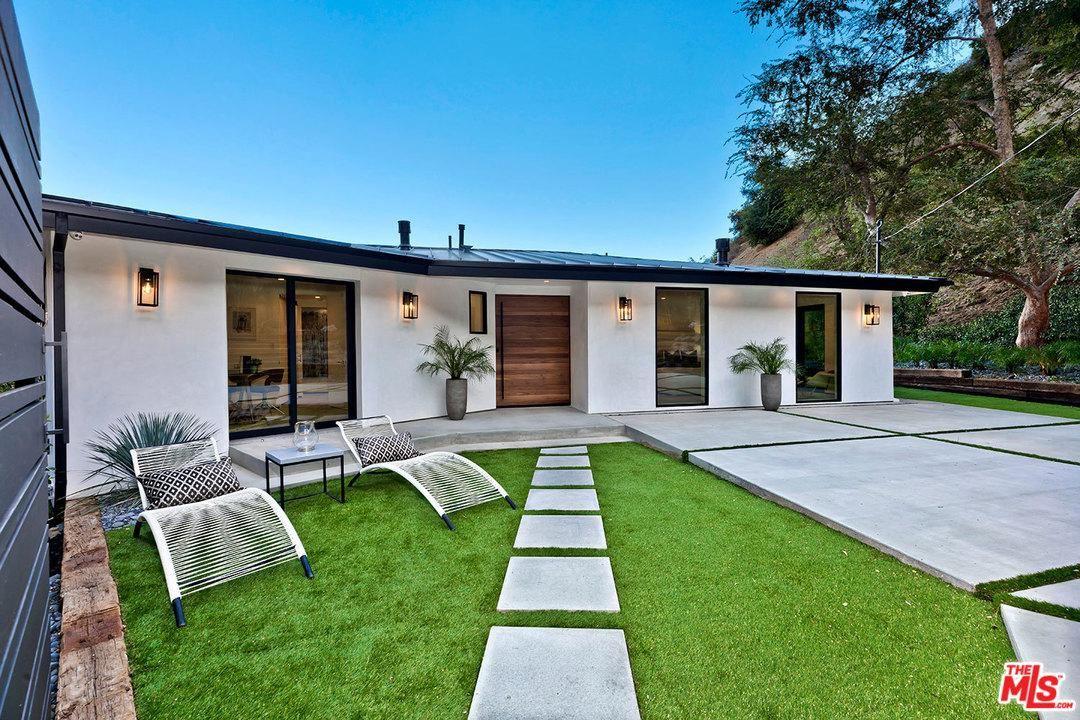 Photo of 8130 GOULD Avenue, Los Angeles , CA 90046 (MLS # 20551814)